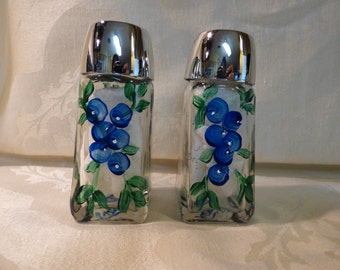 Hand Painted Blueberry Salt and Pepper Shaker Set, Painted Salt & Pepper Shakers