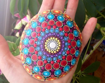 Hand-painted Dot Art Mandala Stone (large)