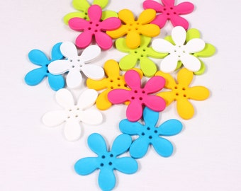 2-button flower, 50mm, nylon, 4 holes (1368)
