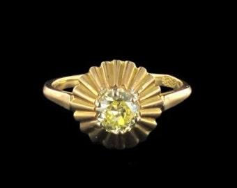 Ring yellow diamond yellow gold 18K Vintage