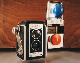Vintage Kodak Dualflex II W/ Unique Flash Attachment - For Display