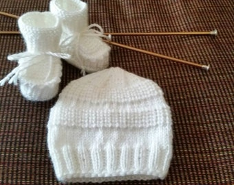 Knitted baby booties and hat, size 3-6 months, white color