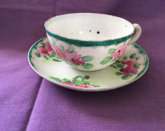 Small Teaset with Floral Pattern