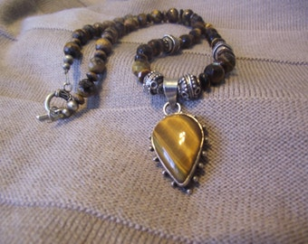 Tigers Eye and Silver necklace. 20 inches