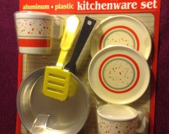 Vintage Kitchen Play Set