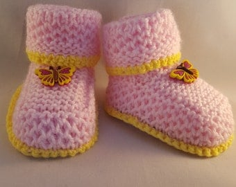 Butterfly baby booties, Pink baby booties Kids shoes, ,gift for new nephew kid gift for new niece boot Hand knitted with butterfly buttons