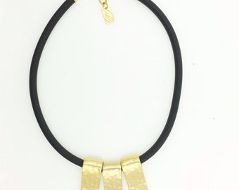 Black Silicone Hammered Pendent Gold Necklace Three Elements Rectangles Hammered Jewelry