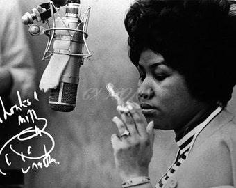 Aretha Franklin signed photo print - 12x8 inch - high quality -
