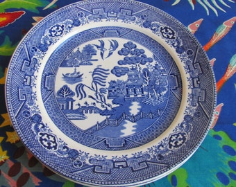 Vintage Blue and White Willow Pattern Plates, set of six plates