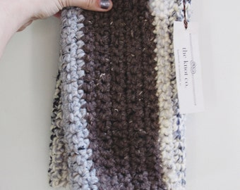 the foggy thick knot scarf