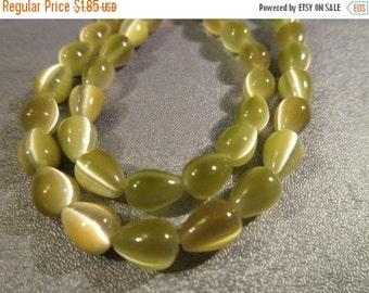 ON SALE Olive Green Cat's Eye Teardrops Beads 50pcs