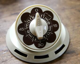 Charming Flower Power Mark Time Kitchen Egg Timer