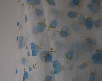 Fabric : Vintage 1950s 1960s sheer nylon rose White/Blue