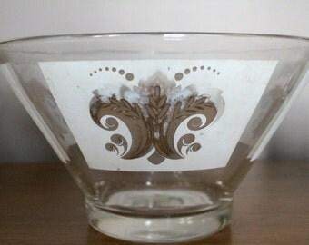 Vintage Glass Gold Fleur de lis design Salad Bowl - Vintage Punch Bowl / Vintage Glass Salad Bowl / Vintage Chip Bowl
