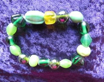 Beaded string bracelet