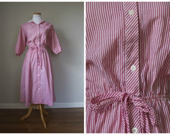 Vintage Candy Striper Red and White Button Down Dress // Altogether Fashions // M L