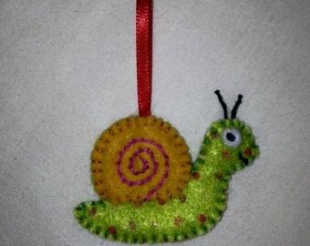 Teeny Felt Snail Keyring
