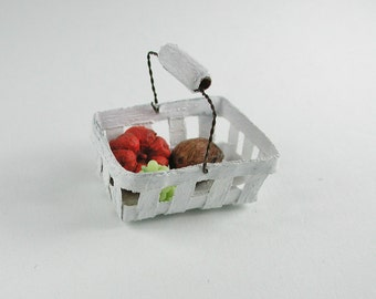 Dollhouse miniatures, shopping basket Dolls House miniature 1zu12, to the transport of food, fruit and vegetables