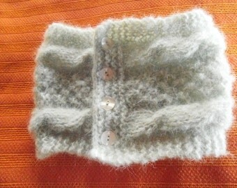 Wool collar