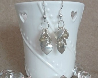 Cluster hearts earrings