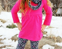 Girls Raspberry Love Arrow Valentine Outfit - 3 Piece Set includes Scarf Leggings and Pink Tunic Top