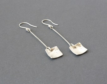 Silver earrings with a small on-lined square, Silver earrings with square, earrings made of silver with vibrating square