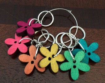 Flower button knitting markers