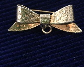 Vintage Sterling Silver Gilt Engraved Bow Brooch