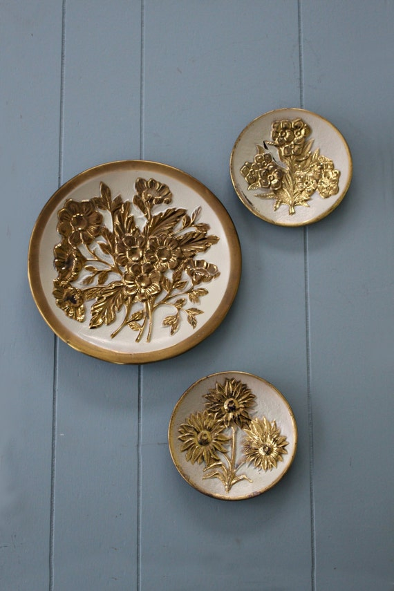 Vintage Tin Plates 65