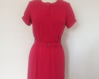 Jersey viscose dress with round neckline and top stitch, belted waist
