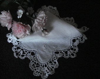 Delicate, Vintage, Bridal Handkerchief, Hankie, White Lace Hankie, Bride's Handkerchief, Wedding Gift, Ladies Accessories, Ladies Gift