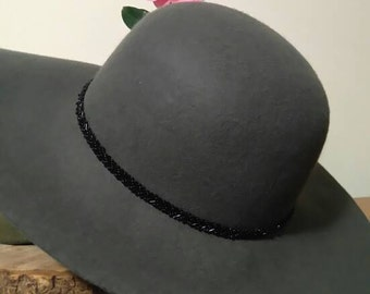 Wool sun hat. 70's style. Grey felted wool with black beaded band.