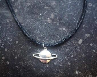 Saturn-choker