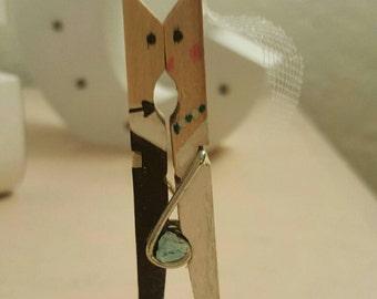 25 Custom Bride and Groom Clothespins