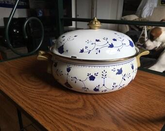 Vintage Dutch Oven Pot