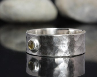 Silver ring with yellow sapphire - Hammered ring made of 925 Sterling Silver