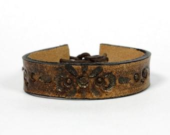 Leather bracelet  -- Vintage Flower -- medieval antique & unique