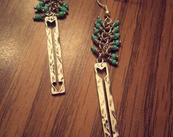 Turquoise arrow dangling beaded earring silver