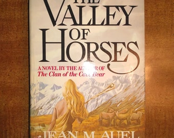 1982 First Book Club Edition Jean M. Auel The Valley of the Horses Vintage Book