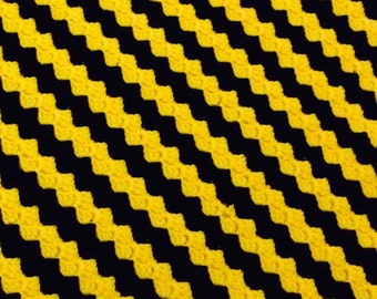 Crochet Baby Bumble Bee Blanket - pushchair size