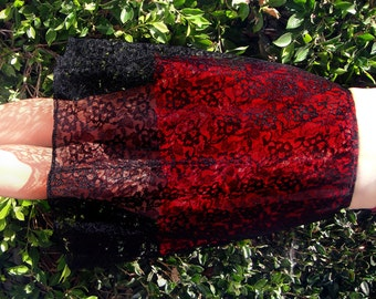 Gothic black-red lace skirt. Ameynra design. Size S. New