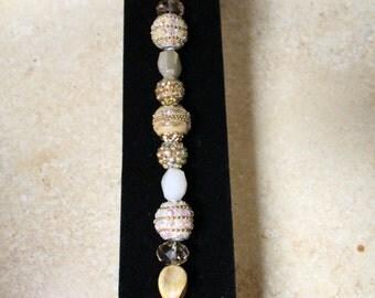 Exquisite gold bracelet