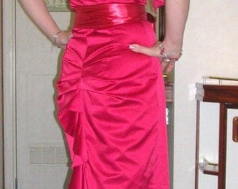 As new red hot stretch satin Marilyn style mermaid designer dress by Karen Millen of England size: 10