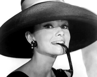 "Audrey Hepburn in Film ""Breakfast at Tiffany's"" - 5X7, 8X10 or 11X14 Publicity Photo (AA-997)"