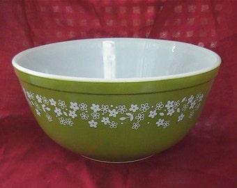 vintage 1970 # 403 Spring Bloom 2.5 LT. nesting bowl