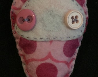 Ambiguous creature plush - pink