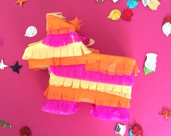Petite Pinatas in Mexico are for any occasion! Destination weddings, welcome gifts, corporate events and birthday parties.