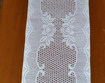 Cream Rose Table Runner
