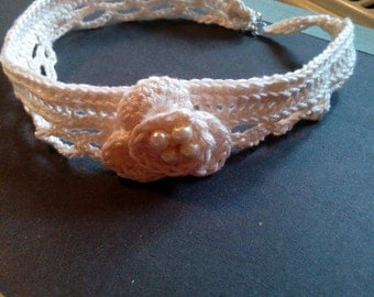Handmade white necklace with white pearls assimetric flower