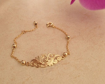 Womanly goldfield bracelet for all occasions.